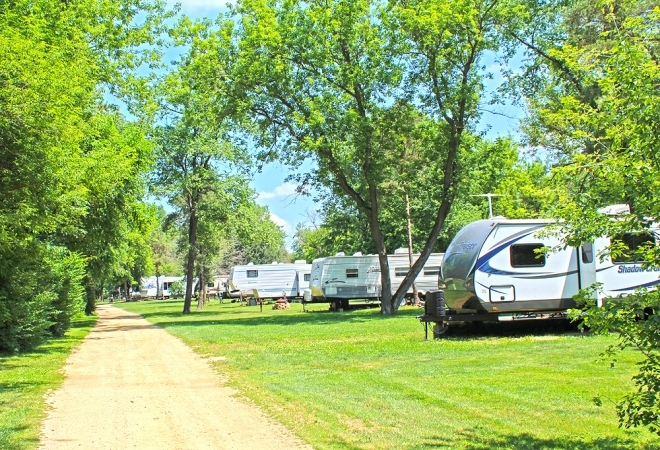 Pine Country RV & Camping Resort