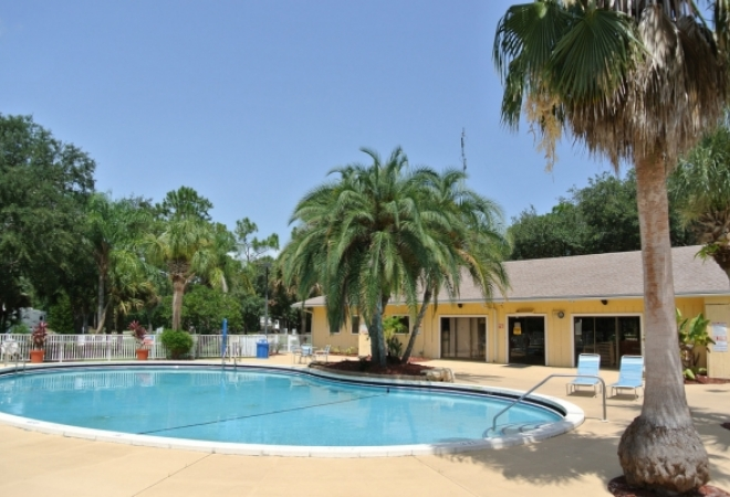 Sunshine Travel RV Resort